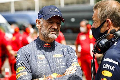 Почему Red Bull уступает Mercedes? Ньюи попал в аварию!