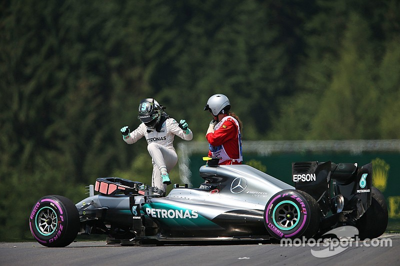 Mercedes urges FIA to modify kerbs overnight