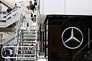Verstappen nézetéből, ahogy a két Mercedes kihullik Barcelonában