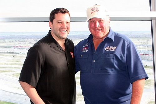Tony Stewart to join A.J. Foyt as guest at Indy 500