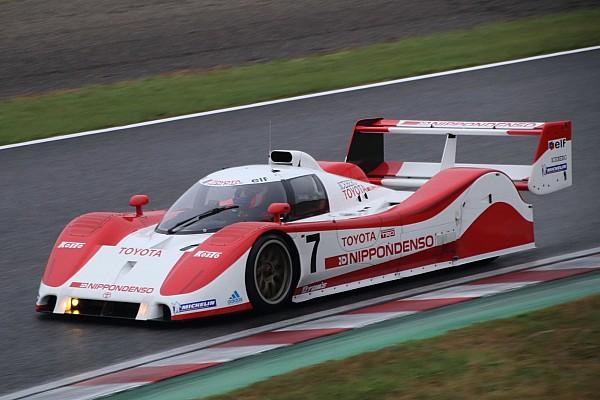 その他 速報ニュース 片山右京、鈴鹿でトヨタTS010をドライブ「二度と作られない名車だ!」
