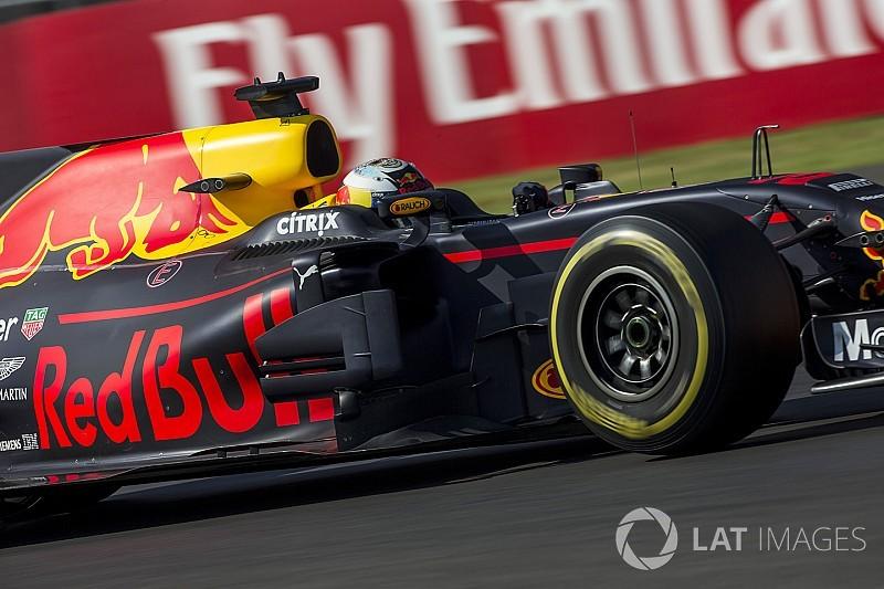 Ricciardo bate Hamilton e lidera sessão próxima no México