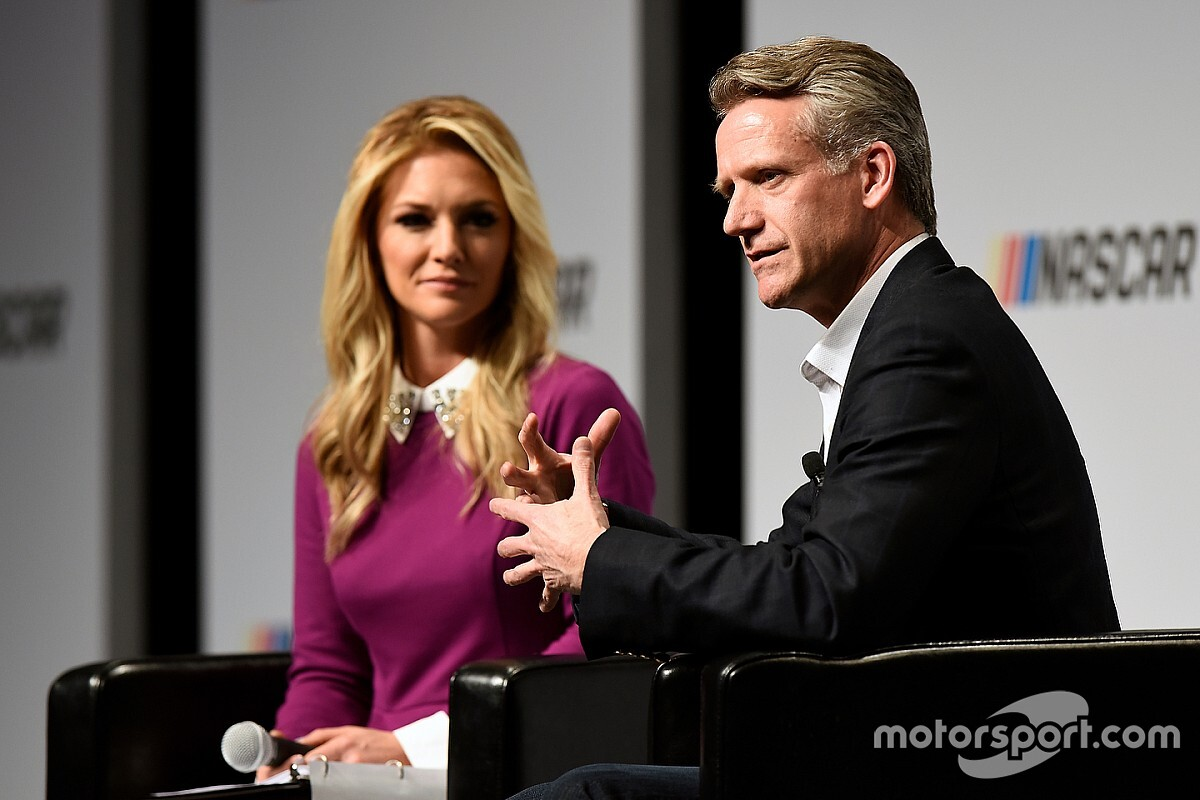 Steve Phelps promoted to NASCAR president, Brent Dewar steps down
