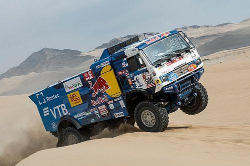 Nikolaev, Iakovlev y Rybakov ganan etapa y son líderes en camiones