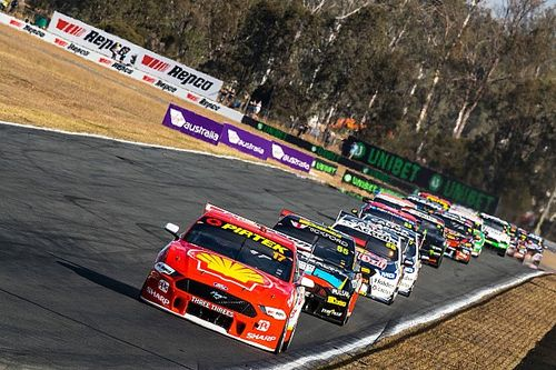 Supercars teams in favour of extended Queensland stay