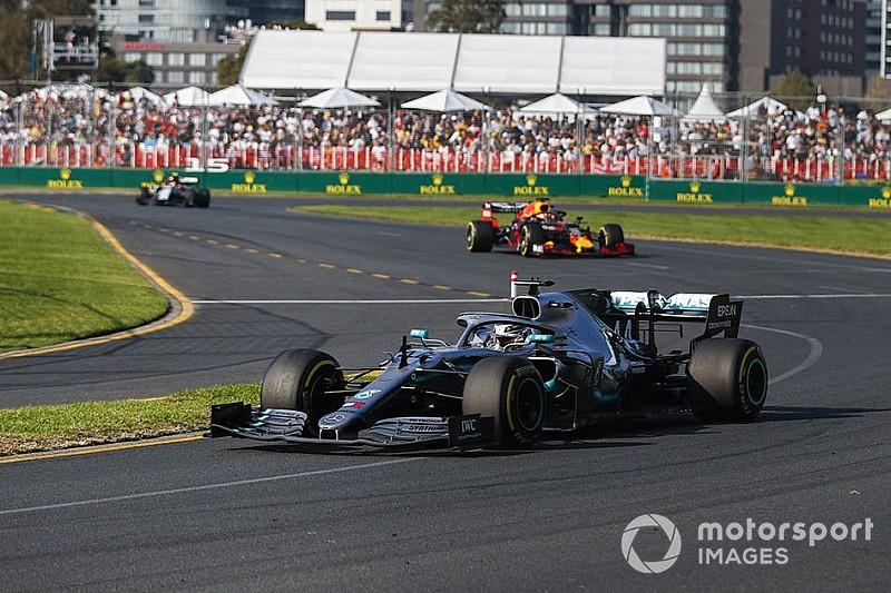 Mercedes знайшла пошкодження днища на машині Хемілтона