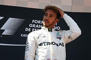 Formule 1 Actualités Hamilton révèle qu'il se prive de boisson en course