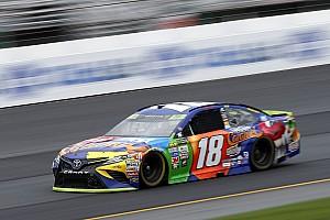 NASCAR Cup Qualifiche Kyle Busch in pole nel New Hampshire davanti a Larson ed Hamlin