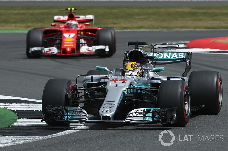 Вольф исключил возможность перехода Хэмилтона в Ferrari