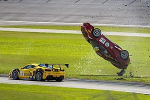 Ferrari Fotostrecke Fotostrecke: Wilder Ferrari-Überschlag in Homestead