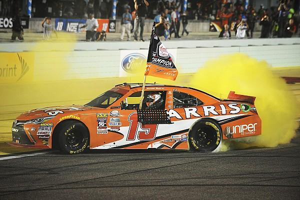 Чемпионом NASCAR впервые стал не американец