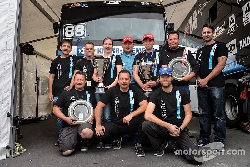 OXXO Energy Truck Race Team: Ez a Ti trófeátok!