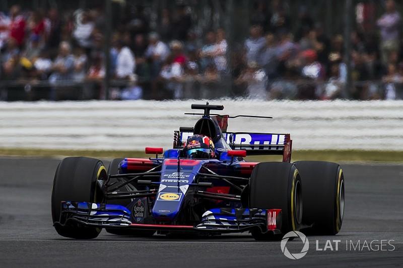 Villeneuve detona Kvyat: Merece ficar em casa