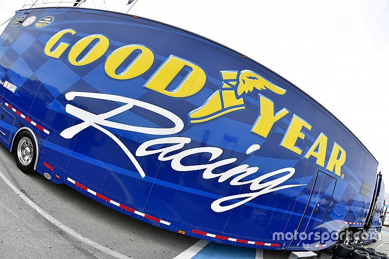 Goodyear makes left and right-side tire change for Las Vegas