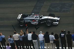 Forma-1 Különleges esemény Ezen a napon: Häkkinen nyer Mogyoródon, és nem engedi meglógni Irvine-t