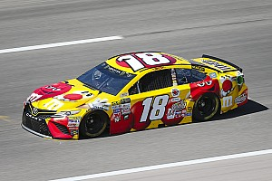 NASCAR Sprint Cup Crónica de entrenamientos Kyle Busch logra el mejor tiempo en la práctica final en Kansas