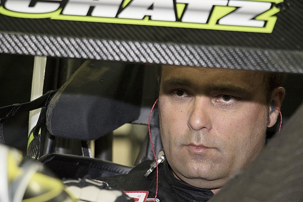 Sprint Breaking news Donny Schatz beats Kyle Larson for tenth Knoxville Nationals win