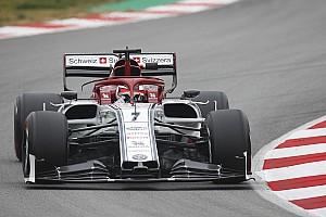 Raikkonen lidera la tercera mañana y McLaren sufre sus primeros problemas