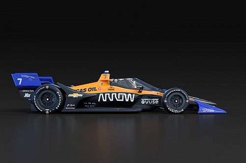 فريق آرو مكلارين يُطلق سيارته للإندي كار بكسوة لونيّة جديدة