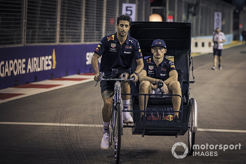 Prost: Ricciardo'nun takıma gelmeyi kabul etmesi Renault'yu şaşırttı