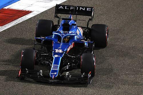 """アロンソ、F1復帰初戦は""""サンドイッチの包み紙""""に泣かされリタイア「レースは楽しめた」"""
