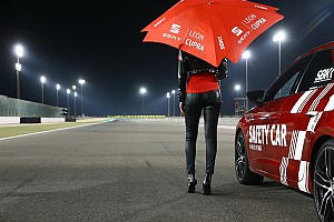 World Superbike Galería GALERÍA: las encantadoras chicas WSBK luces de Qatar