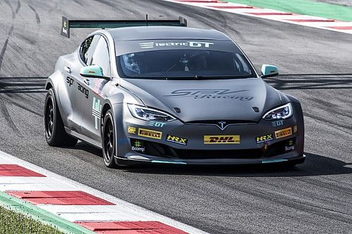 Electric GT Tesla Model S overheated after just lap and a half