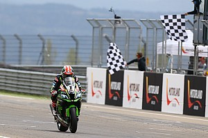 World Superbike Race report WorldSBK Aragon: Rea kalahkan Davies dan Fores