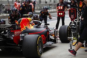 Forma-1 Motorsport.com hírek Nő a nyomás a szerelőkön: az F1-es csapatok miért hibáznak ilyen sokat a bokszban?!