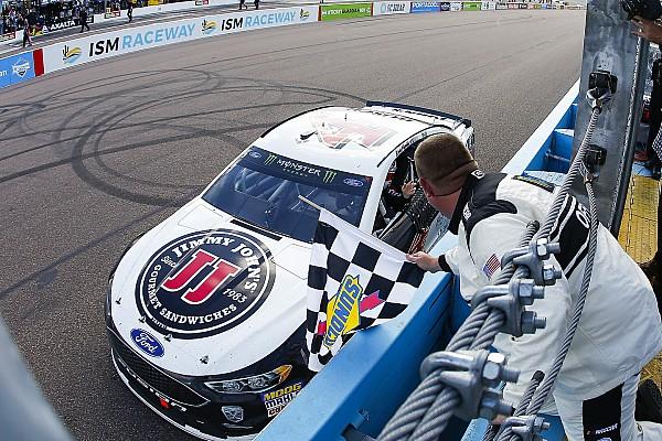 Monster Energy NASCAR Cup Race report NASCAR Cup Series: Harvick tegaskan dominasi di Phoenix
