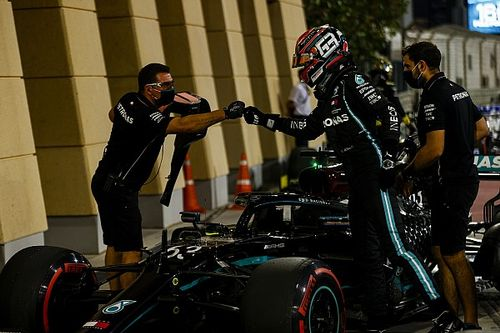 Russell still pressing the wrong buttons in Mercedes car