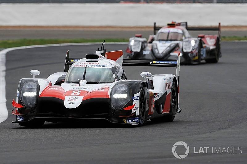 Alonso en Toyota winnen ook in Silverstone