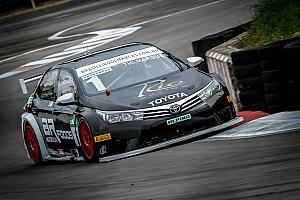 Brasileiro de Marcas Relato da corrida Marques faz largada perfeita e comanda corrida 2 do Marcas