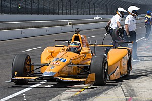IndyCar Crónica de entrenamientos Alonso aprovechó la poca actividad en pista para acabar 4º