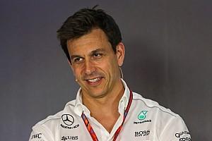 """Mercedes: """"Sosem tárgyaltunk Vettellel"""""""