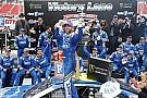 NASCAR Cup Johnson aparece no fim e triunfa pela segunda vez seguida
