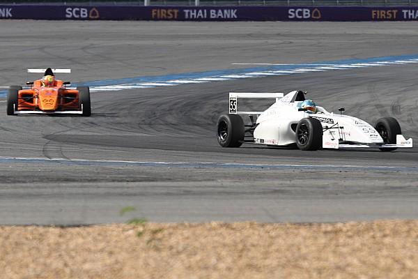 F4/SEA Buriram: Frost resmi jadi juara Race 1 usai konfirmasi penalti Kahia