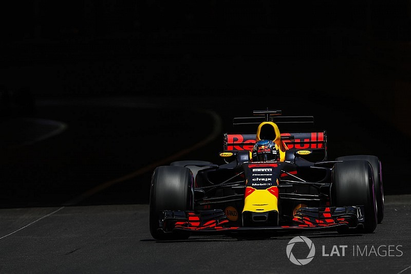 Ricciardoa réussi l'overcut sur Bottas et Verstappen