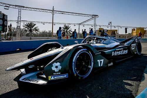 Де Врис завоевал первый поул нового сезона Формулы Е