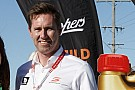 Supercars managing director resigns