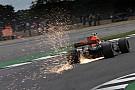 Посмотрите на это: как машины Ф1 справляются с перегрузками в Англии