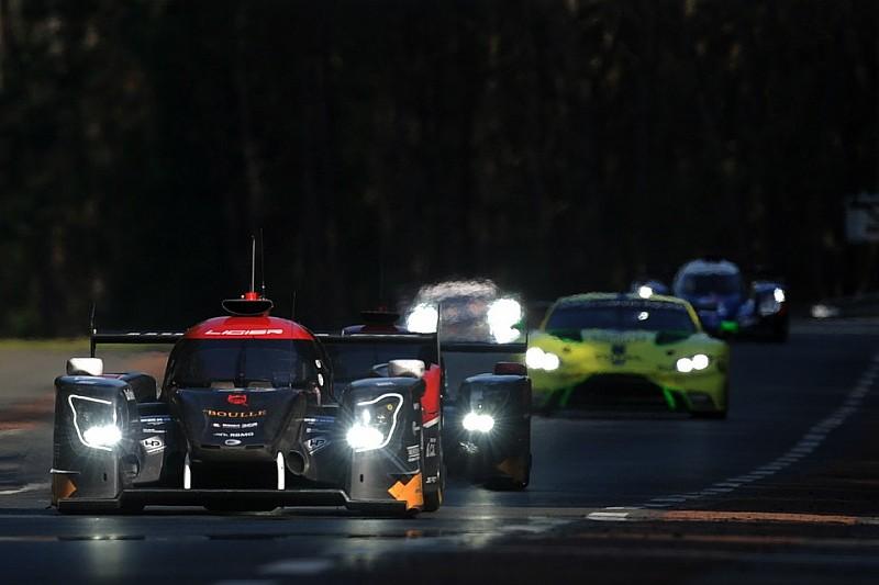 Klammheimlich geändert: Alle Autos mit weißen Lichtern