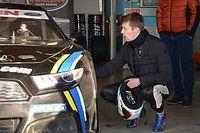 Kvyat uji mobil NASCAR Eropa di Franciacorta