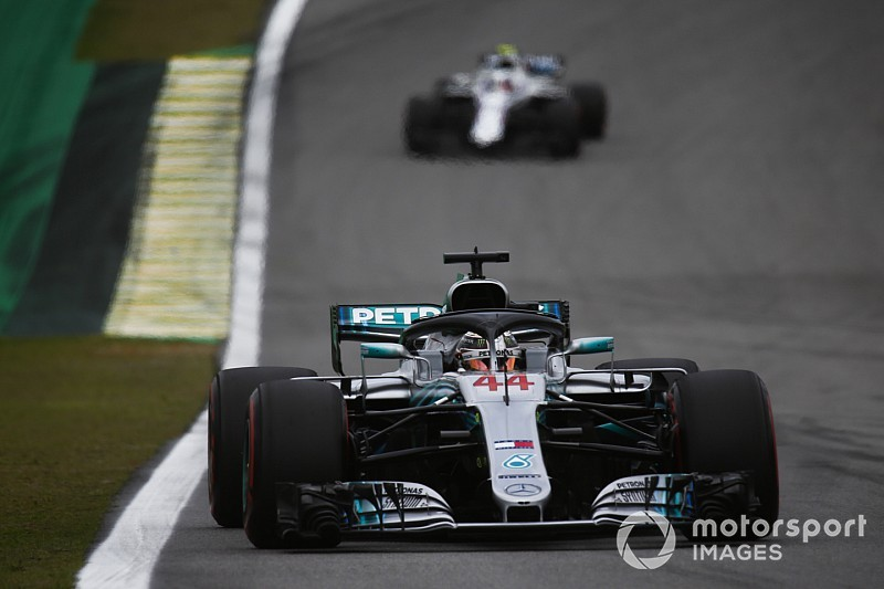 Hamilton regrette ses critiques contre Sirotkin