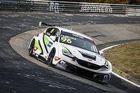 A Zengő Motorsport versenyzője győzött, a magyarok balszerencsések voltak a WTCR második futamán