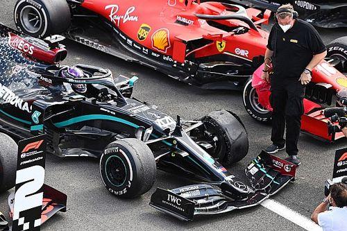 Ez vezetett Hamilton, Bottas és Sainz defektjéhez – megszólalt a Pirelli