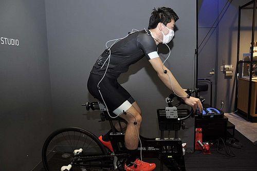 """レーシングドライバーがトレーニングに活用する自転車も""""フィッティング""""が欠かせない?"""