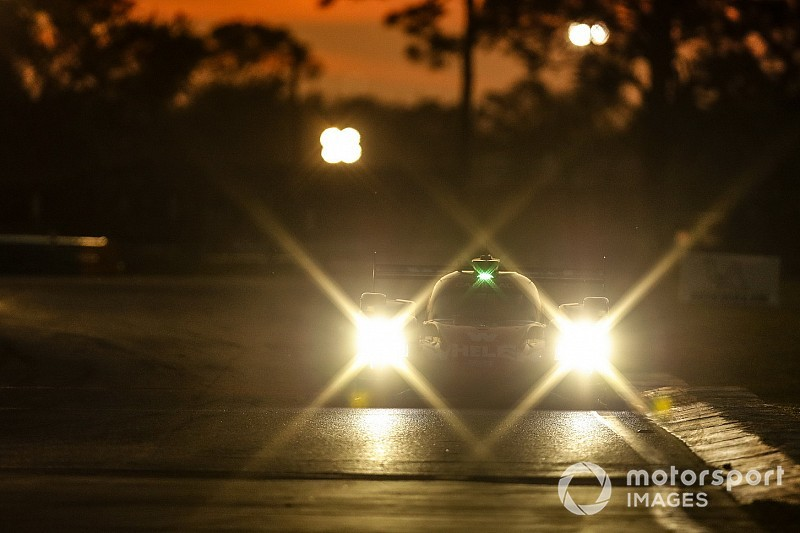 Sebring 12 Hours, Hour 10: Nasr, Derani still lead for AXR