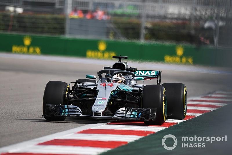 Hamilton lidera dobradinha da Mercedes no TL2 na Rússia