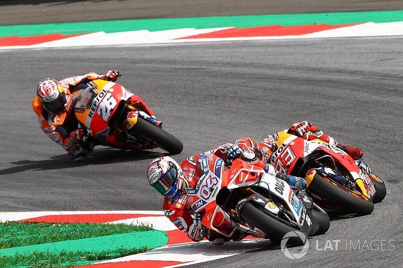 Dovizioso: Marquez remekül játszik határon motorozva